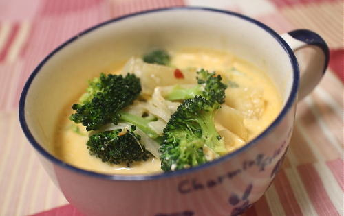今日のキムチレシピ:ブロッコリーとキムチのクリームチーズスープ