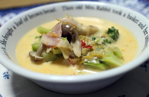 今日のキムチレシピ:ブロッコリーとキムチのミルクスープ