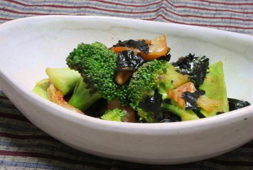 今日のキムチ料理レシピ:ブロッコリーとキムチの海苔炒め