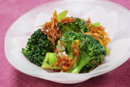 今日のキムチ料理レシピ:ブロッコリーのピリ辛おかか和え