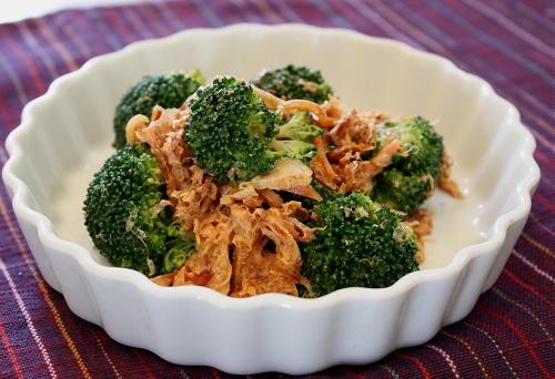 今日のキムチ料理レシピ:ブロッコリーのキムチおかかマヨ和え