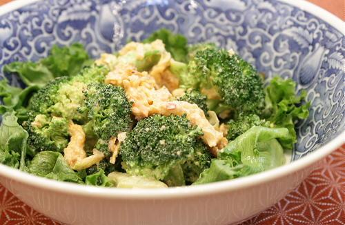 今日のキムチ料理レシピ:ブロッコリーのキムチマヨチーズ和え