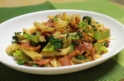 今日のキムチレシピ:ブロッコリーとキムチのペンネ