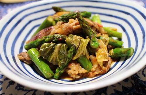 今日のキムチレシピ:豚肉とアスパラのキムチ炒め