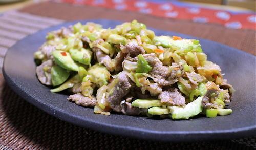 今日のキムチレシピ:アボカドと豚肉のねぎキムチ和え