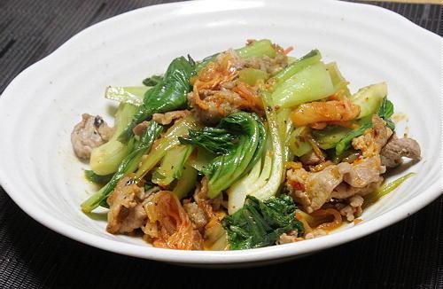 今日のキムチ料理レシピ:豚肉と青梗菜のキムチ炒め