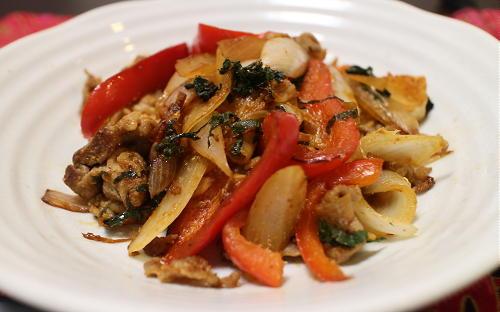 今日のキムチレシピ:豚肉とキムチの胡麻味噌炒め