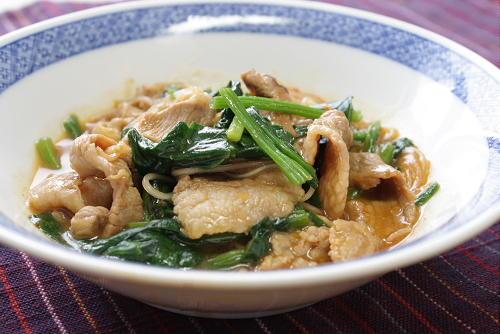 豚肉とほうれん草のピリ辛春雨レシピ