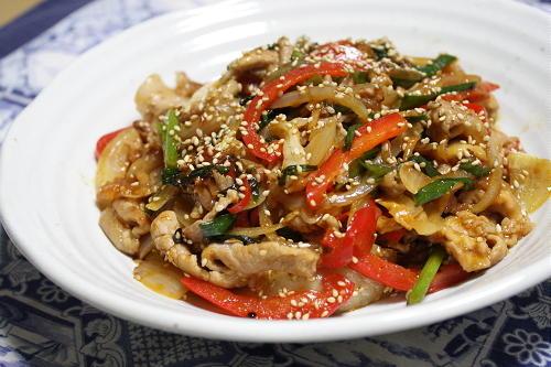 今日のキムチ料理レシピ:豚肉と彩り野菜のキムチ炒め