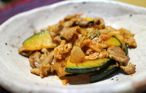 今日のキムチ料理レシピ:豚かぼちゃのキムチ炒め
