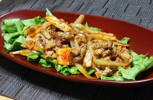 今日のキムチ料理レシピ:豚肉と特選カクテキのマヨポン炒め