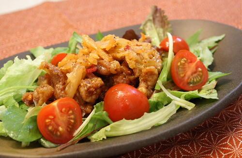 今日のキムチ料理レシピ:カリカリ豚肉のキムチマリネ