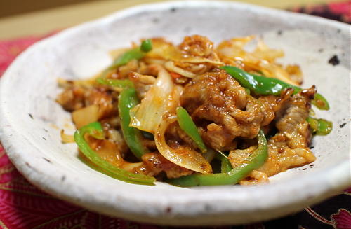 今日のキムチ料理レシピ:豚肉とキムチのケチャップ炒め