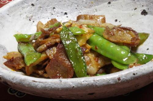 今日のキムチ料理レシピ:豚肉ときぬさやのキムチ炒め