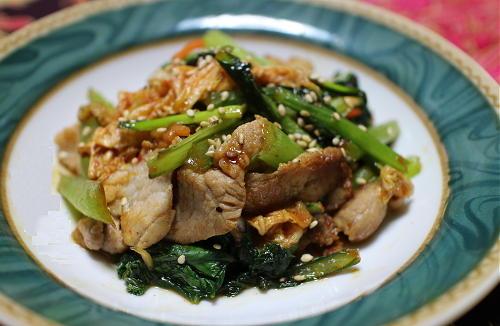 今日のキムチ料理レシピ:豚肉と小松菜のキムチオイスターソース炒め
