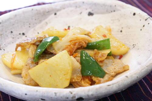 今日のキムチ料理レシピ:豚肉とキムチの味噌バター炒め