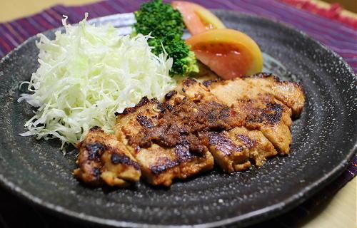 今日のキムチ料理レシピ:豚ロース肉のキムチ味噌焼き