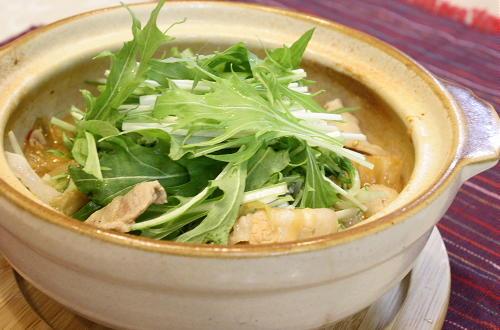 今日のキムチ料理レシピ: 豚肉と水菜のキムチ鍋