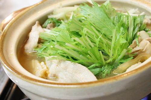今日のキムチ料理レシピ:豚肉と水菜のキムチ鍋