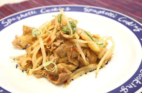 今日のキムチ料理レシピ:豚肉ともやしのキムチ炒め