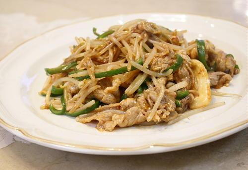今日のキムチ料理レシピ:豚肉ともやしとキムチの中華炒め