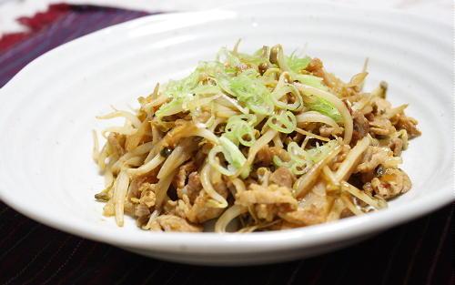 今日のキムチ料理レシピ:豚もやしキムチ炒め