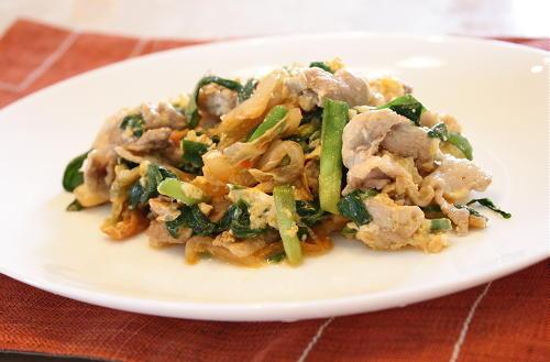 今日のキムチ料理レシピ:豚肉とキムチの卵炒め