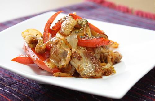 今日のキムチ料理レシピ:豚肉とキムチのバジル炒め
