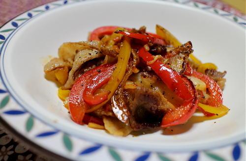 今日のキムチ料理レシピ:豚肉とパプリカのキムチ炒め