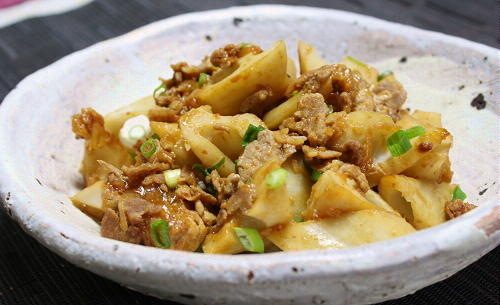 今日のキムチ料理レシピ:豚肉とレンコンのピリ辛炒め