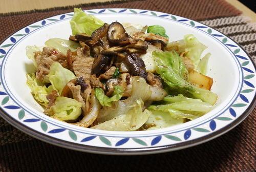 今日のキムチ料理レシピ:豚肉とレタスのキムチ炒め
