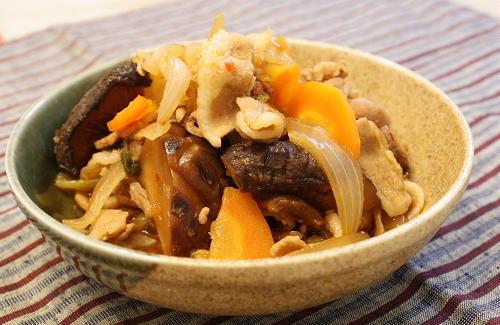 今日のキムチ料理レシピ:豚肉とキムチの旨煮