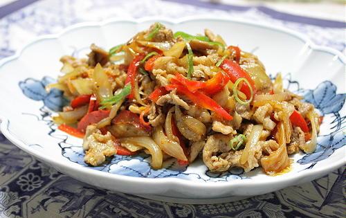 今日のキムチ料理レシピ:豚肉とキムチの塩麹炒め