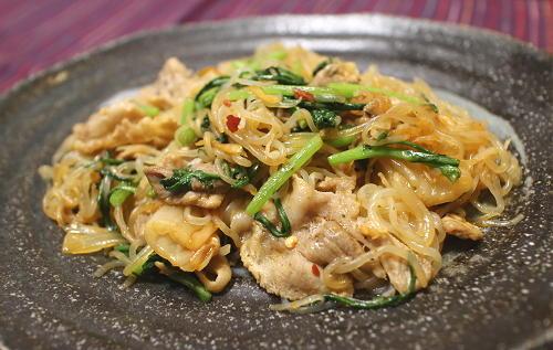今日のキムチ料理レシピ:豚肉としらたきのキムチ炒め
