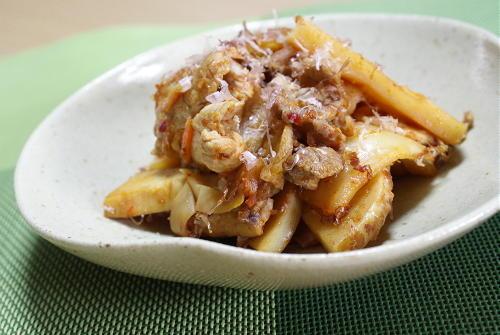 今日のキムチ料理レシピ:豚肉とたけのこの甘辛キムチ炒め