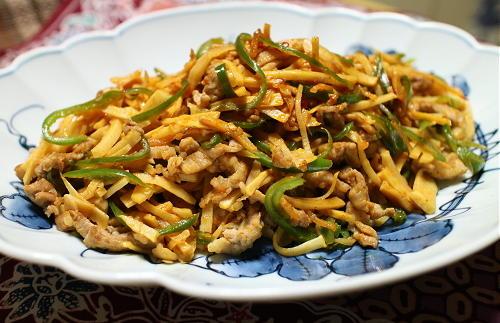 今日のキムチ料理レシピ:豚肉とタケノコのピリ辛炒め