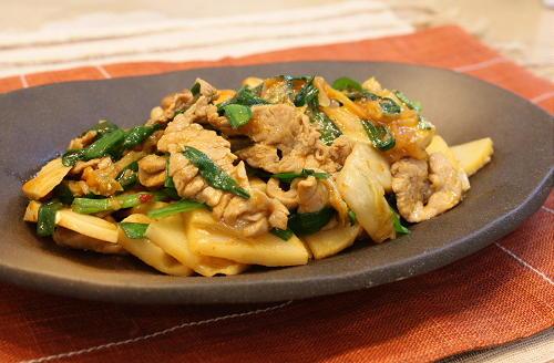 今日のキムチ料理レシピ:豚肉とたけのこのキムチ炒め
