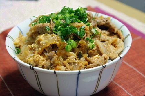 今日のキムチ料理レシピ:豚キムチの卵とじ丼