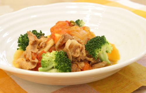 今日のキムチ料理レシピ:豚肉とトマトのキムチ煮