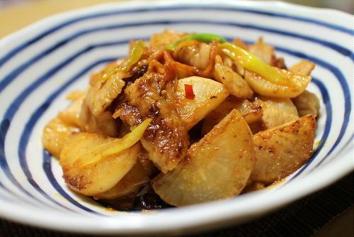 今日のキムチ料理レシピ:豚バラ大根のみそキムチ炒め