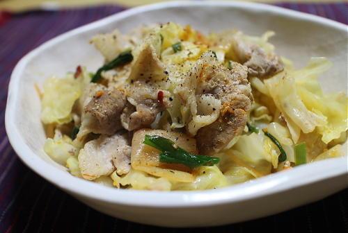 今日のキムチレシピ:豚バラとキャベツのキムチ蒸し