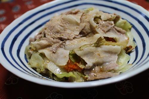 今日のキムチ料理レシピ:豚バラキムチのレンジ蒸し