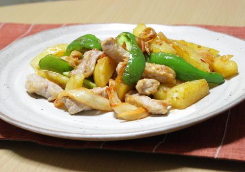 今日のキムチ料理レシピ:豚肉とジャガイモとキムチの塩バター炒め