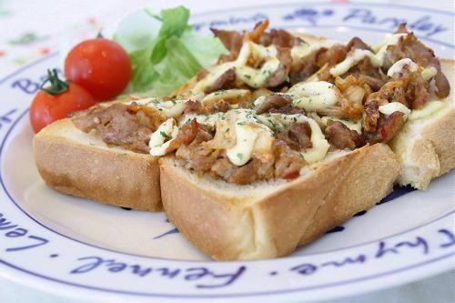 今日のキムチ料理レシピ:豚キムチトースト