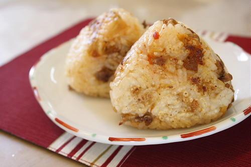 今日のキムチ料理レシピ:豚キムチ焼きおにぎり
