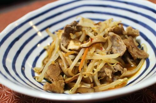 今日のキムチ料理レシピ:サンラータン風豚肉ともやしのキムチ炒め
