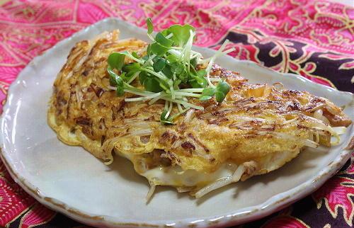今日のキムチ料理レシピ:もやしキムチオムレツ