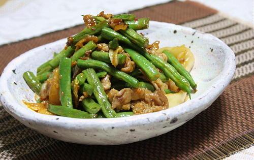 今日のキムチ料理レシピ:豚肉といんげんの甘辛キムチ炒め