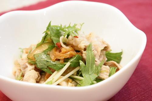 今日のキムチ料理レシピ:豚しゃぶと水菜のキムチサラダ