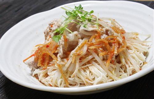 今日のキムチ料理レシピ:ピリ辛豚しゃぶそうめん
